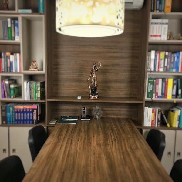 Foto sala de reunião escritório de advogados Santos berco Advocacia